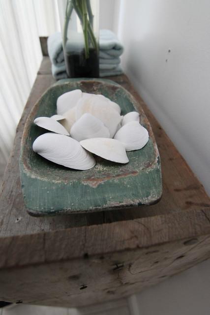 bathroom_shells