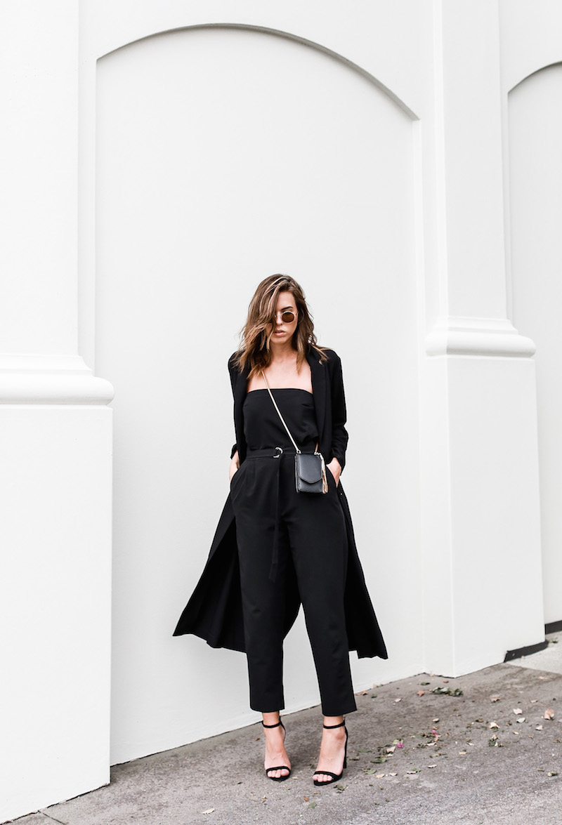 MODERN LEGACY x ASOS Spring Racing All Black outfit street style (1 of 10)