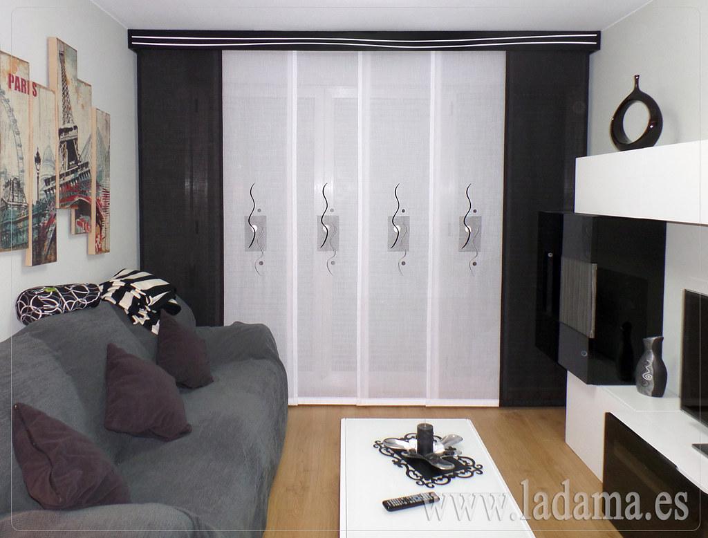 Fotos de cortinas instaladas en ambientes for Panel japones blanco y gris