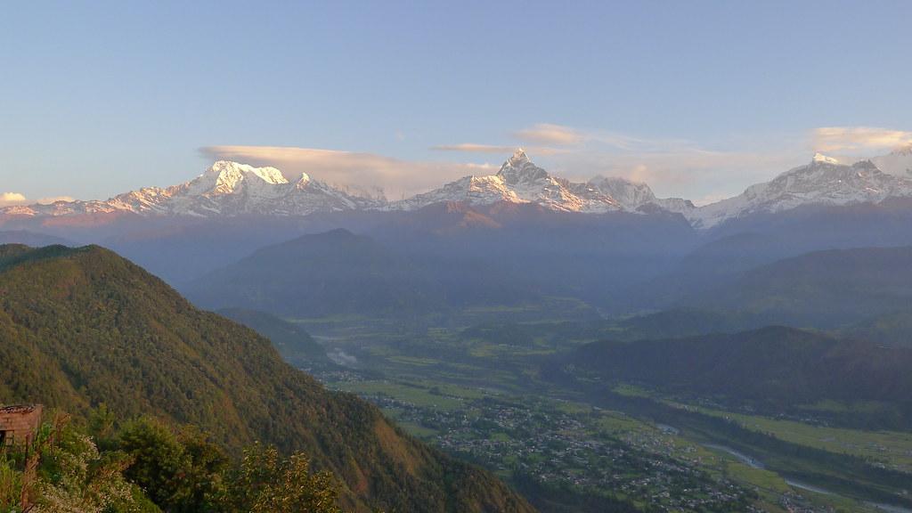 Lever du soleil sur le massif des Annapurnas depuis Sarangkot (8)