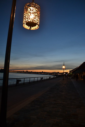 Bordeaux by night 06