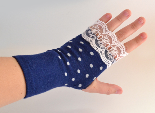 008-fingerless-gloves-from-socks-dreamalittlebigger