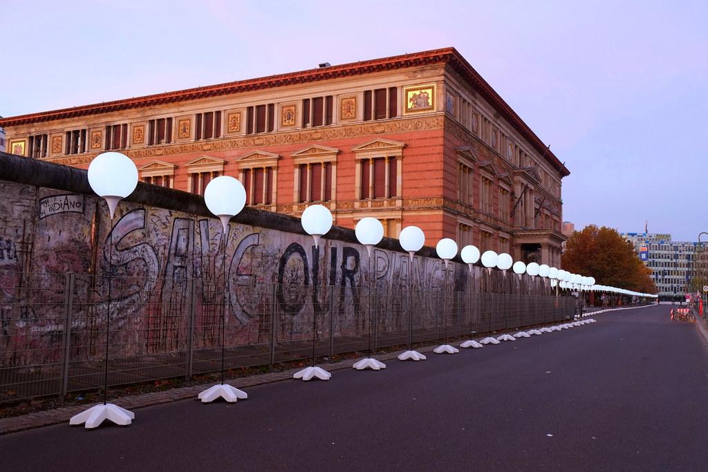 lichtgrenze berlin 2014 - martin-gropius-bau, niederkirchnerstr
