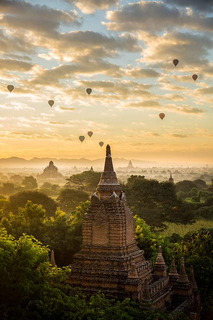 Sunrise over Bagan in, Canon EOS 5D MARK III, Sigma 24-105mm f/4 DG OS HSM | A