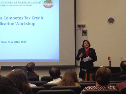 Assembly Speaker Toni Atkins addresses crowds at a Cal Competes Workshop