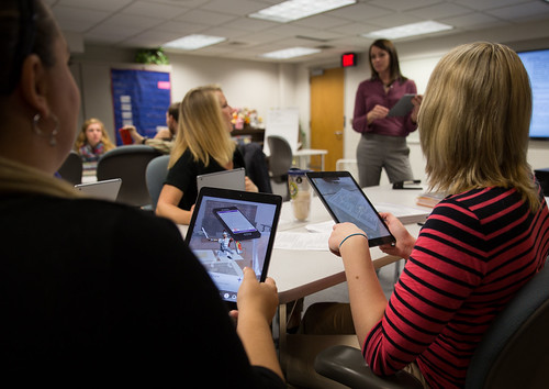 New High tech classroom prepares teachers to work with technology