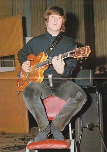 Гитара Джона Леннона может уйти с молотка за $1 млн