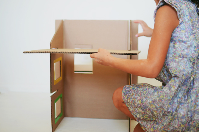 how to build a dollhouse out of cardboard