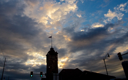 morning sky tower clock station weather clouds train sunrise illinois flag union center springfield visitor