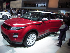 automobile(1.0), exhibition(1.0), range rover(1.0), sport utility vehicle(1.0), vehicle(1.0), automotive design(1.0), compact sport utility vehicle(1.0), auto show(1.0), range rover evoque(1.0), land vehicle(1.0), luxury vehicle(1.0), motor vehicle(1.0),