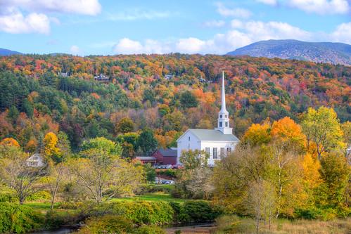 autumn fall vermont unitedstates newengland fallfoliage foliage stowe 2014 leafpeeping stowechurch