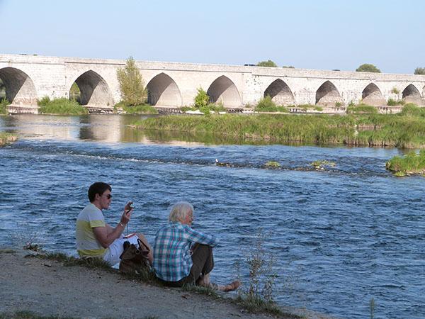 lala et clem au bord de la Loire