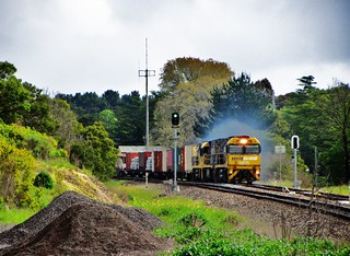 NR35+NR10+NR106 with a Perth to Sydney container train #3PS6 accellerate out of Exeter, NSW