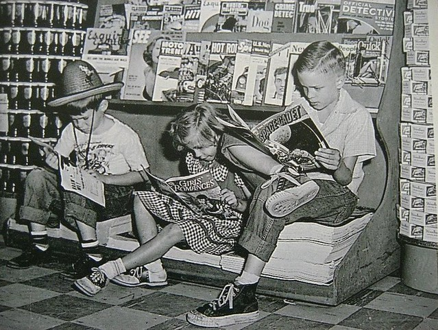 kids-reading-comics-2