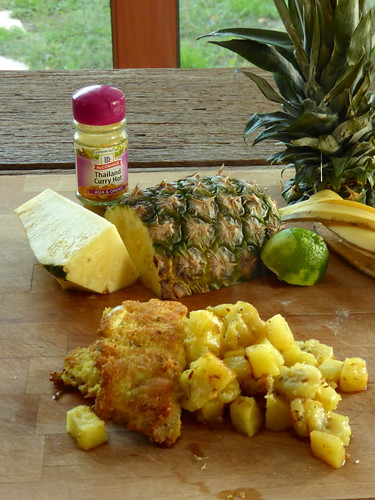 coconut crusted fish with pineapple and banana – merluzzo in crosta di cocco con ananas e banana
