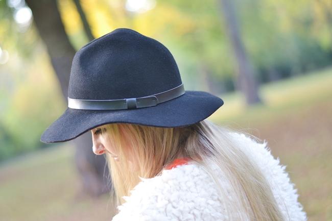 How to Style Fake Fur Eugli (4)