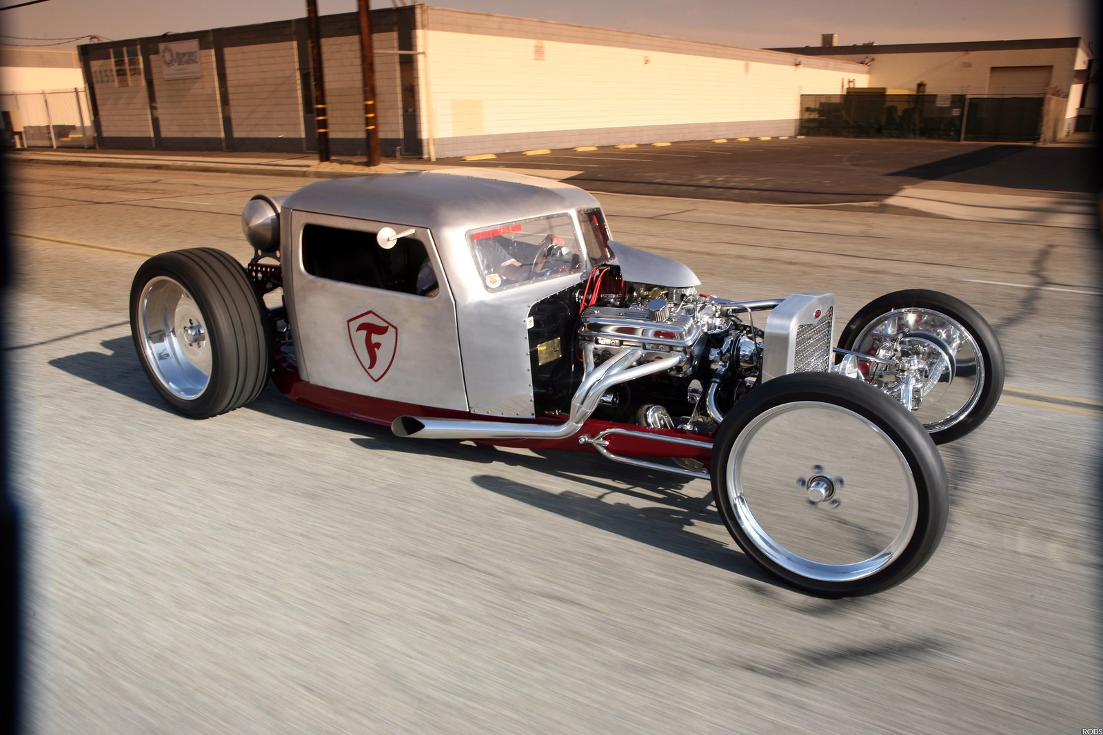 The Amazo Effect: James Crosby's 1956 Peterbilt Conventional