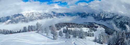 9c3a47dc6f706 Do obľúbeného Livigna ideme cez Švajčiarsko. Cesta je veľmi pohodlná po  diaľnici, ale musíme počítať s kúpou známok v Rakúsku / Švajčiarsku a  platením mýta ...