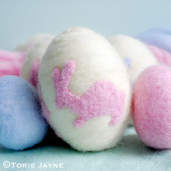 Needle felted egg tutorial