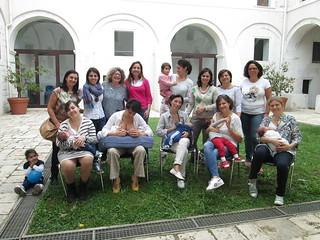"""L'associazione rutiglianese """"Gocce di luna"""" sostiene la Settimana dell'Allattamento Materno"""