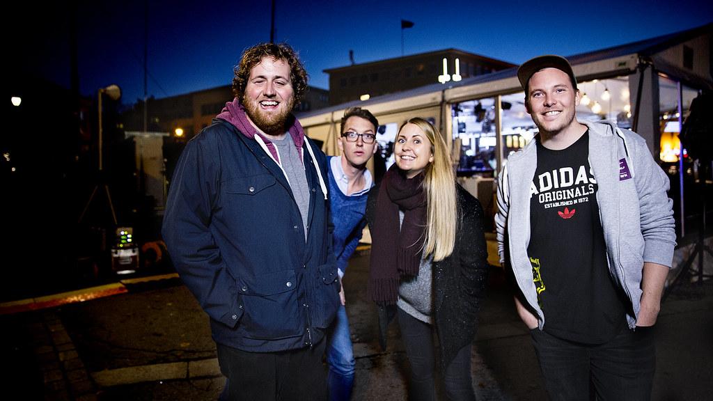 Ronny, Mathias, Silje og Niklas er klare for å gå inn i buret