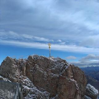 ... hätten wir dran geschleckt, wären wir vermutlich kleben geblieben ;) Zum Glück haben wird nicht ganz bis dahin geschafft. #gipfelkreuz #Zugspitze #topofgermany #Bayern #Urlaub