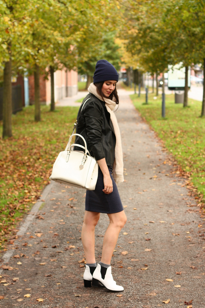 leather jacket zara beanie white purse sam edelman boots