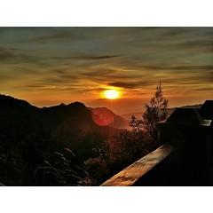 #PhotoGrid #sunrise #mountain #smartphone #LGG3 #travel #traveling #trip #instatravel #instashot #instadroid