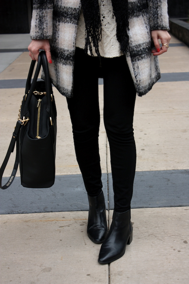 chelsea+lane+zipped+truelane+blog+minneapolis+midwest+fashion+style+blogger+lulus+plaid+coat+zara+black+leather+ankle+booties+dagne+dover+mini+tote3