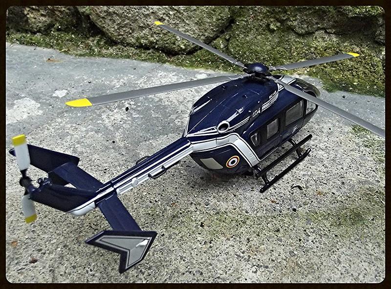 les hélicoptères toutes échelles  15530252027_a7d0e7889e_c