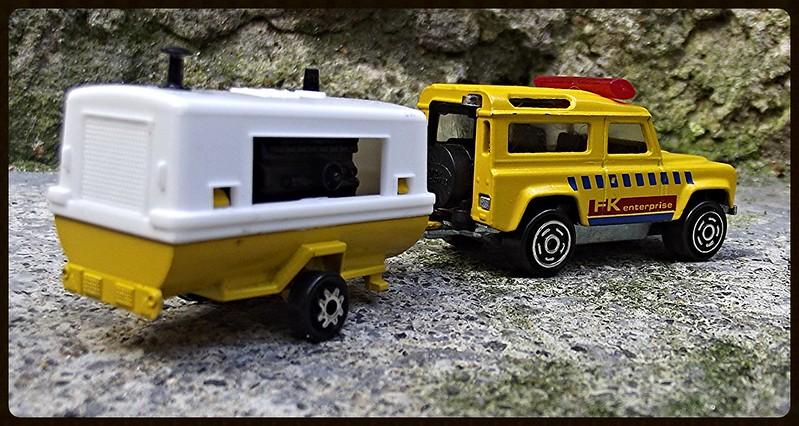N°382 Land Rover + Compresseur  15538051502_88c5d59d34_c