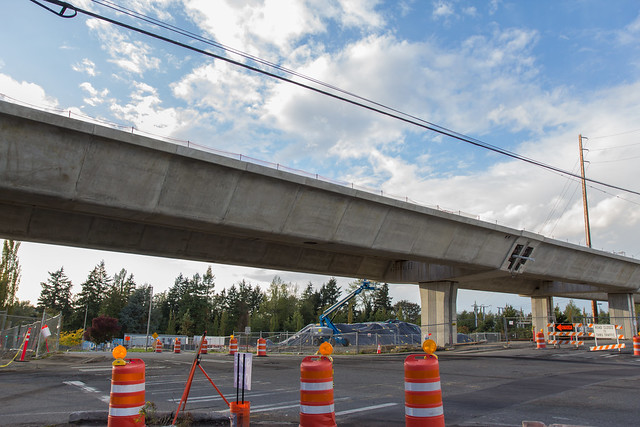 S 200th Link Construction: Spanning 200th
