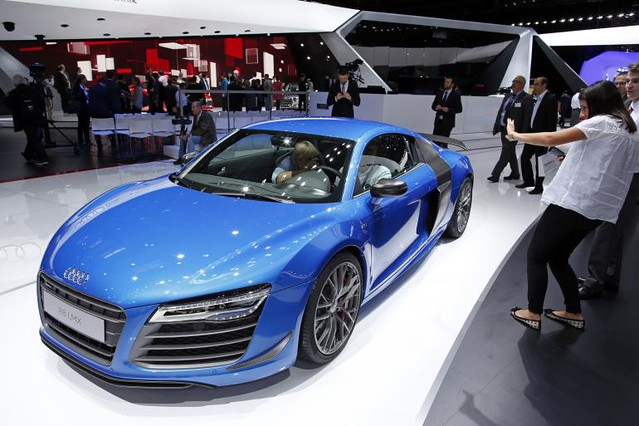 Audi Luxury R8 Electric Sports Car: 250 Miles Per Charge, Says Company Tech Chief