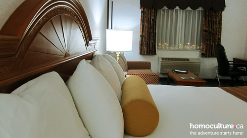 HomoCulture.ca posted a photo:	A comfortable night sleep awaits at the Coast Hotel Abbotsford Suites