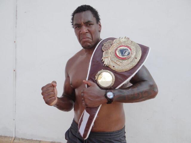 Irineu Beato Costa Junior hat einen noch viel stärkeren Hammer…