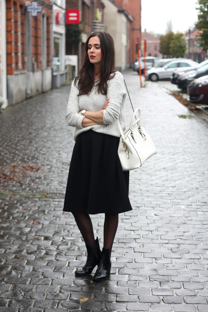outfit midi skirt patent chelsea boots white purse