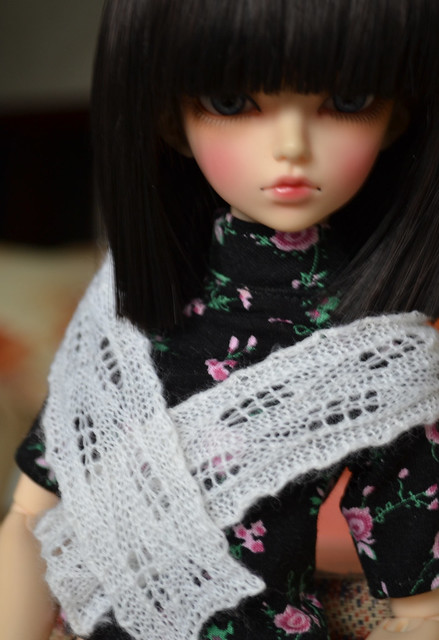 "Scarf ""Long leaves"""