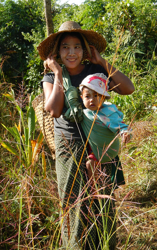 A woman with her child on our Inle Lake trek in Myanmar