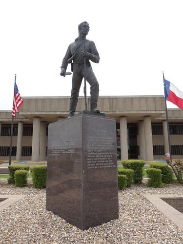 texas chfstew txbowiecounty monumentstatue americanflag