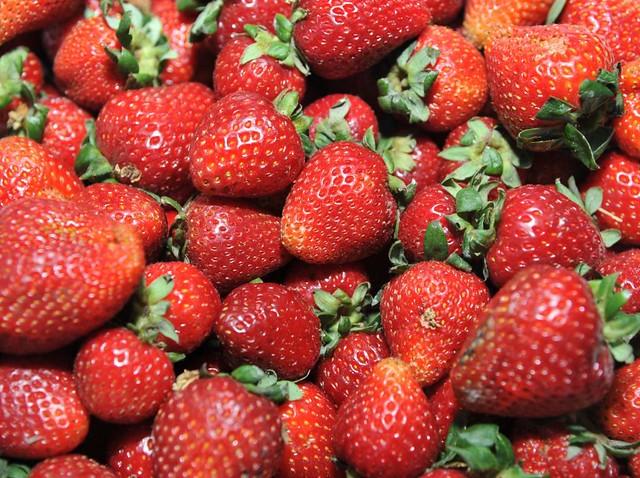 O morango é um dos alimentos mais contaminados por agrotóxicos  - Créditos: Venilton Küchler/ SESA
