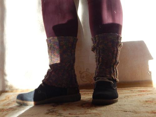 ноги в гетрах на ковре еще раз