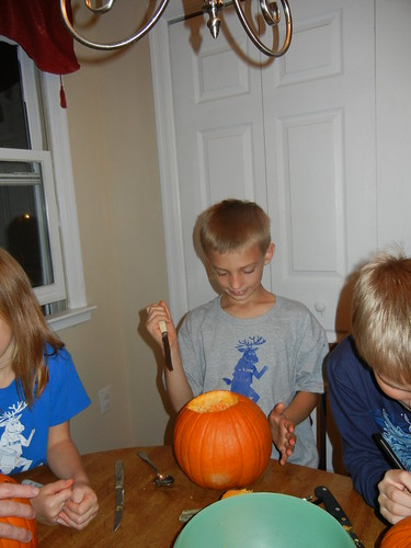 Oct 17 2014 Doller pumpkin carving (5)