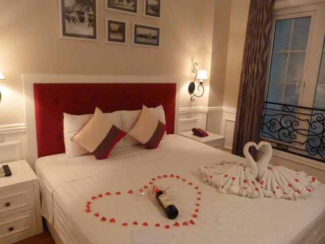 Habitación doble del Calypso Suites Hotel (Hanoi, Vietnam)