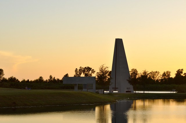Sugar Land Veteran 39 S Memorial At Dusk Flickr Photo Sharing