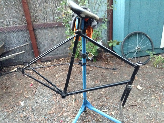 Stripping the Ross porteur down. Maybe build it as a road bike?