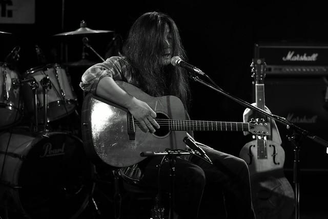 O.E. Gallagher (solo) live at Adm, Tokyo, 15 Oct 2014. 046