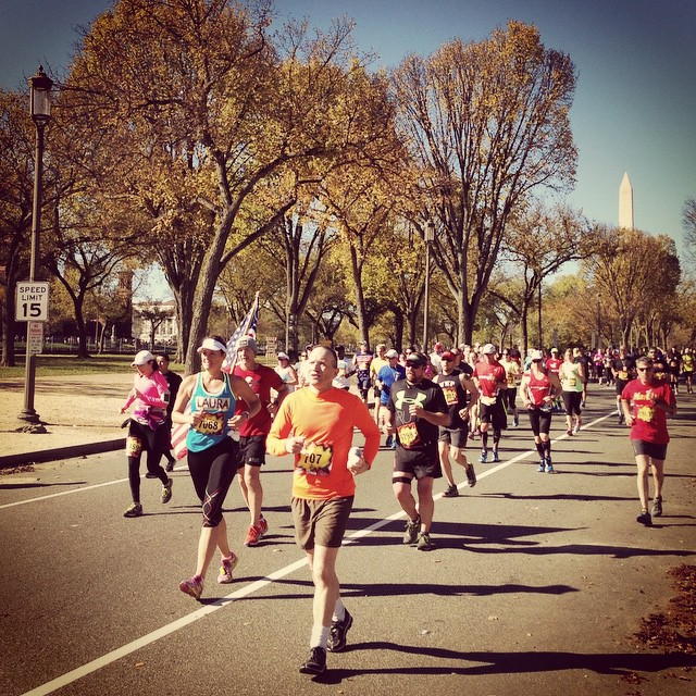 Runners on the Mall #marinecorpsmarathon #igdc