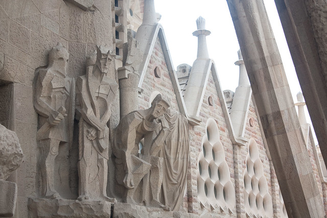 Barcelona with Kids: Sagrada Familia | Family Travel