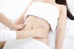 每天按摩肚子10分鐘,緩解子宮內膜異位症、經痛