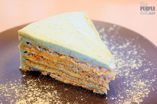 Sesame Sansrival Cake (P210)